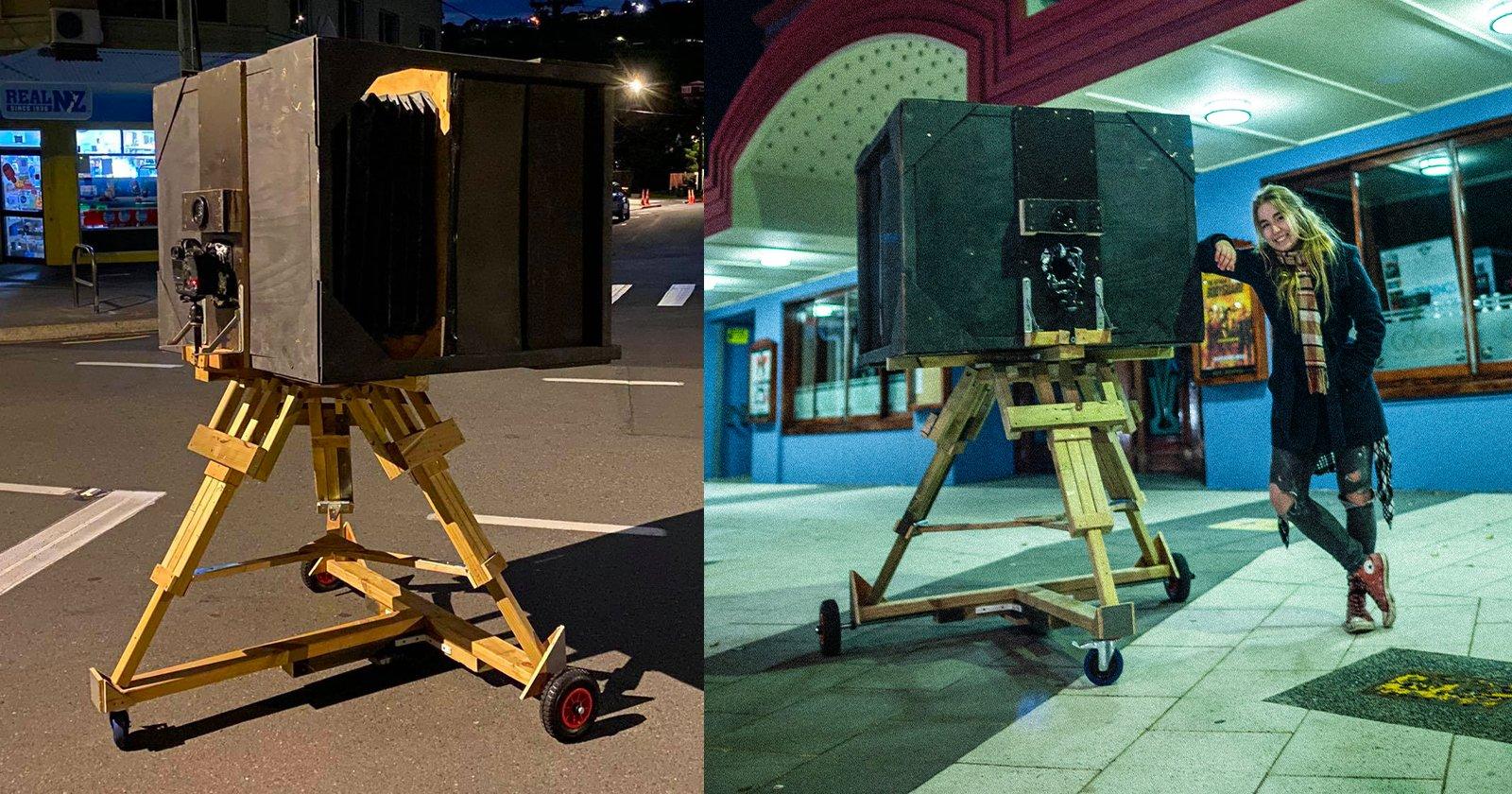 """L'uomo costruisce un'enorme fotocamera """"Ultra Large Format"""" con un obiettivo da 600 mm f/9"""