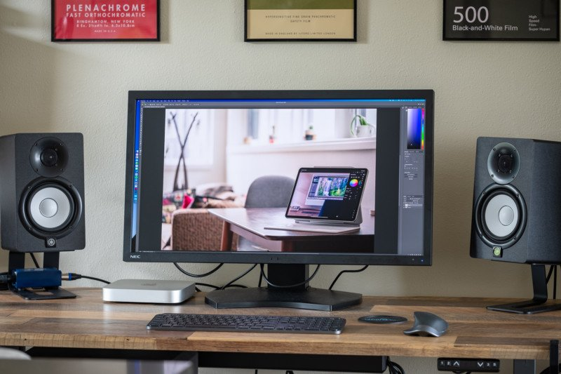 NEC PA311D Monitor Review: Extreme Color Accuracy for Professional Users 4