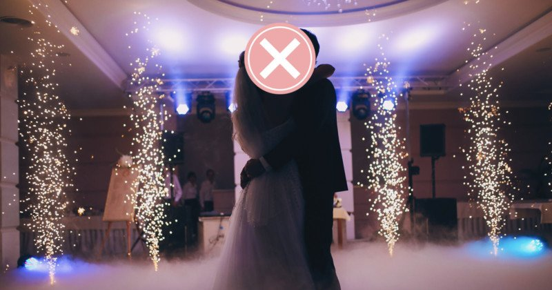 Photographer Goes Viral for Deleting Wedding Photos in Front of Groom 1